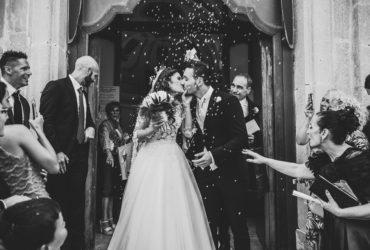 Lancio del riso tradizione irrinunciabile al matrimonio